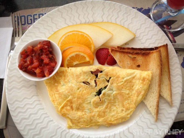 Southwest Omelet Breakfast combo from Roger's Diner