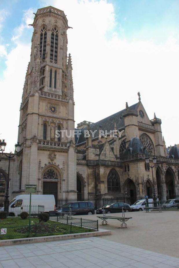 Govt Building beside the Louvre