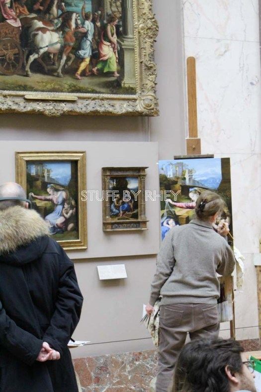 One of the many artists practicing at the Louvre